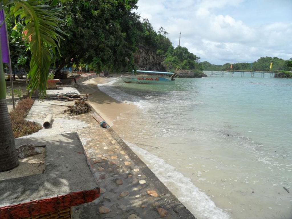 Beach Sto.Nino Island Resort