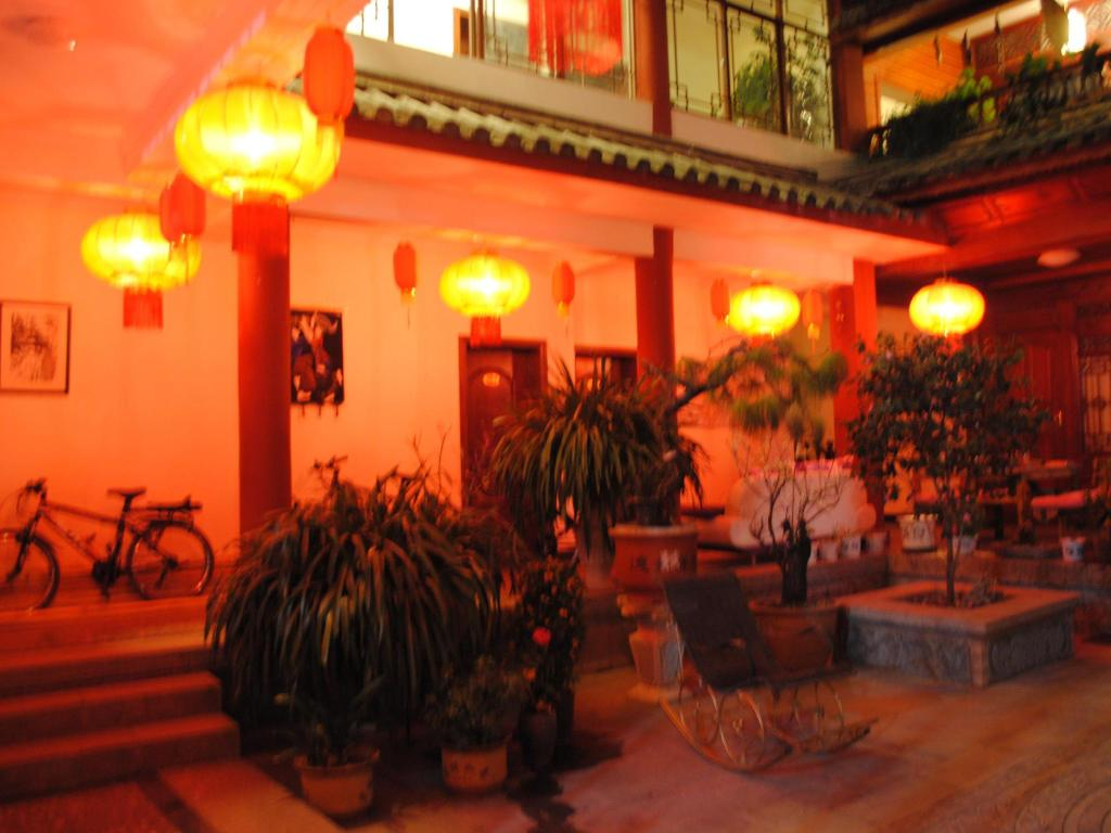 Hotellet indefra Lijiang Peach Hostel