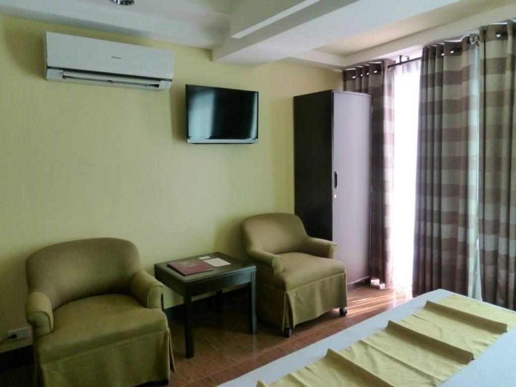 Notranjost Silver Oaks Hotel and Suite