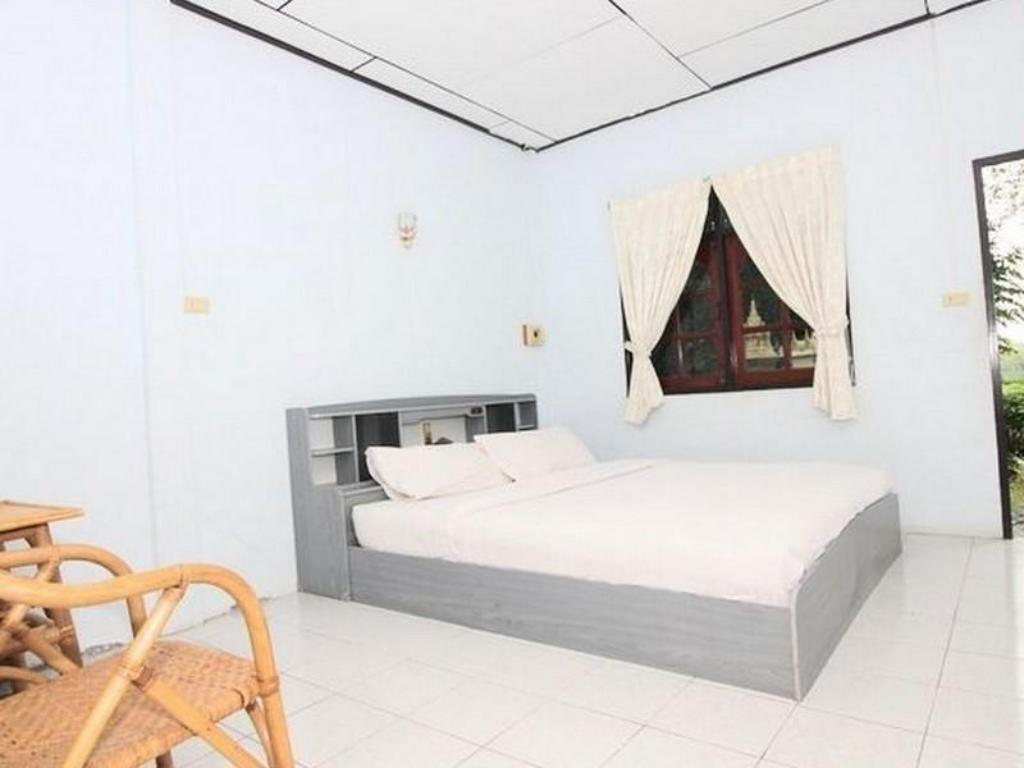 Standard - Bed Rosthip Thani Resort