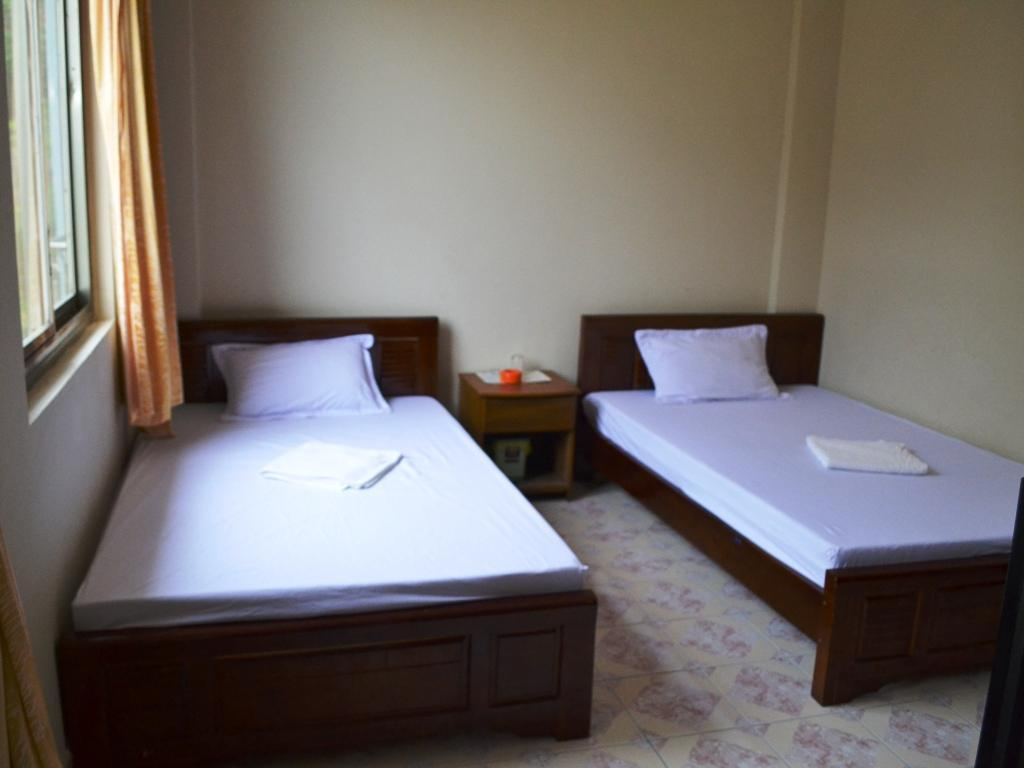 Standard Twin Tien Thang Hotel