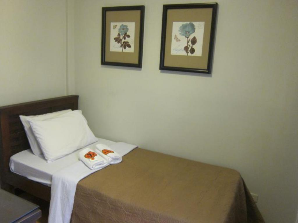 Deluxe New Room - Bed Stone House Hotel Mabini