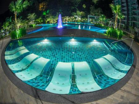 Swimming pool [outdoor] The Haven Resort Hotel, Ipoh - All Suites