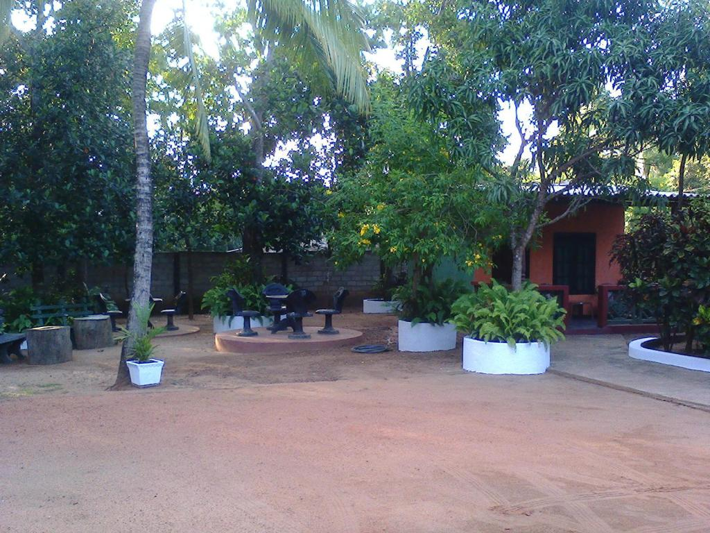 Exterior view Niwahana Guest House