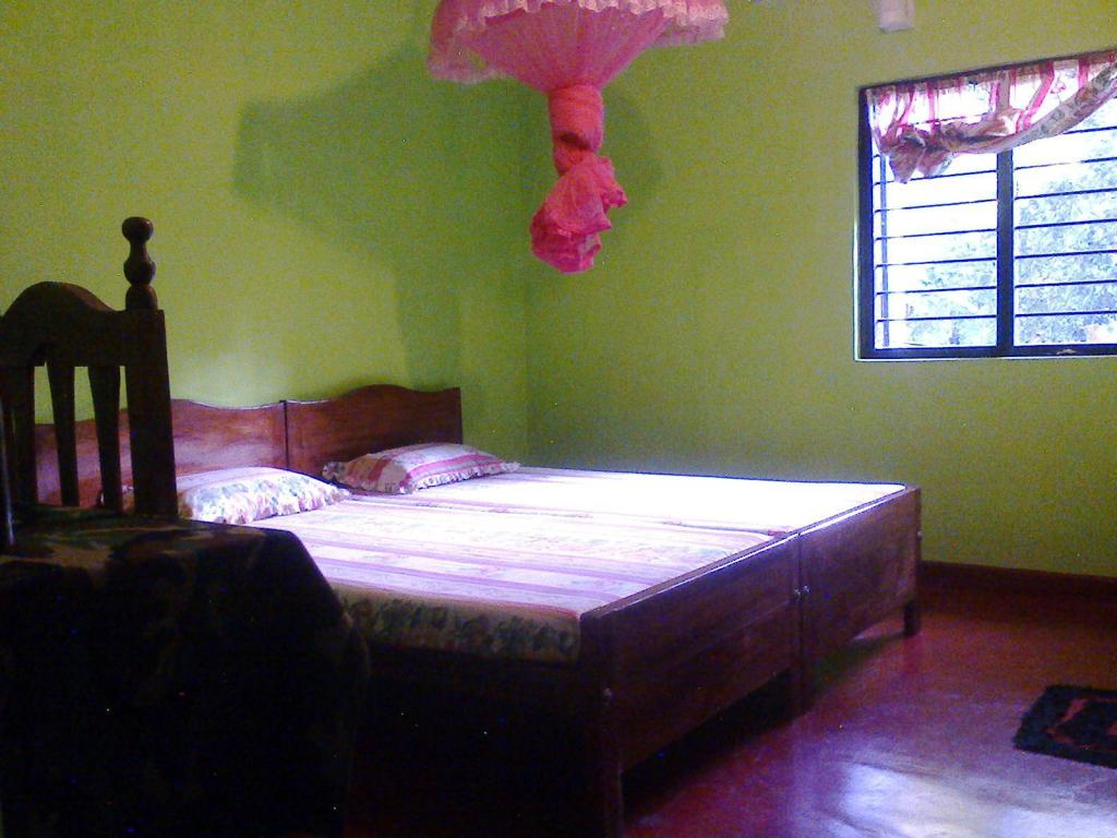 Standard Double Room - Guestroom Niwahana Guest House