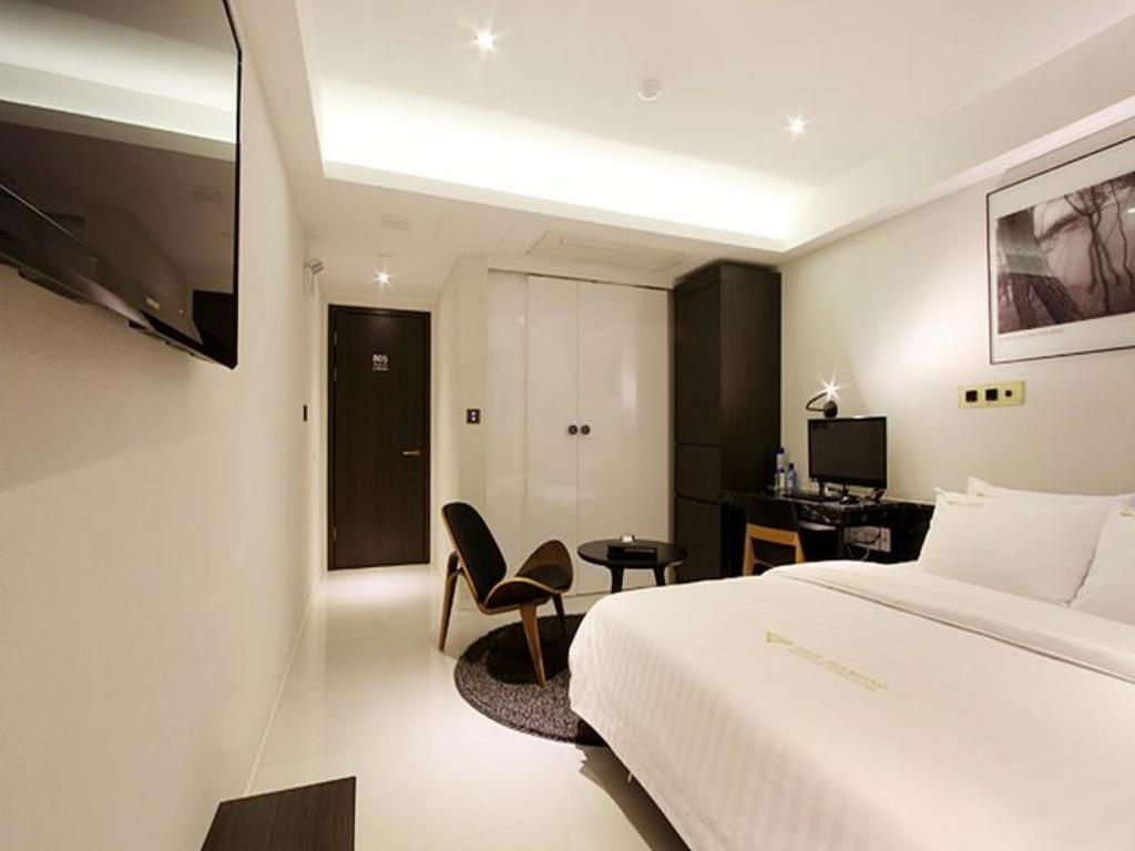 Deluxe Double Bed Room Rich Diamond Hotel