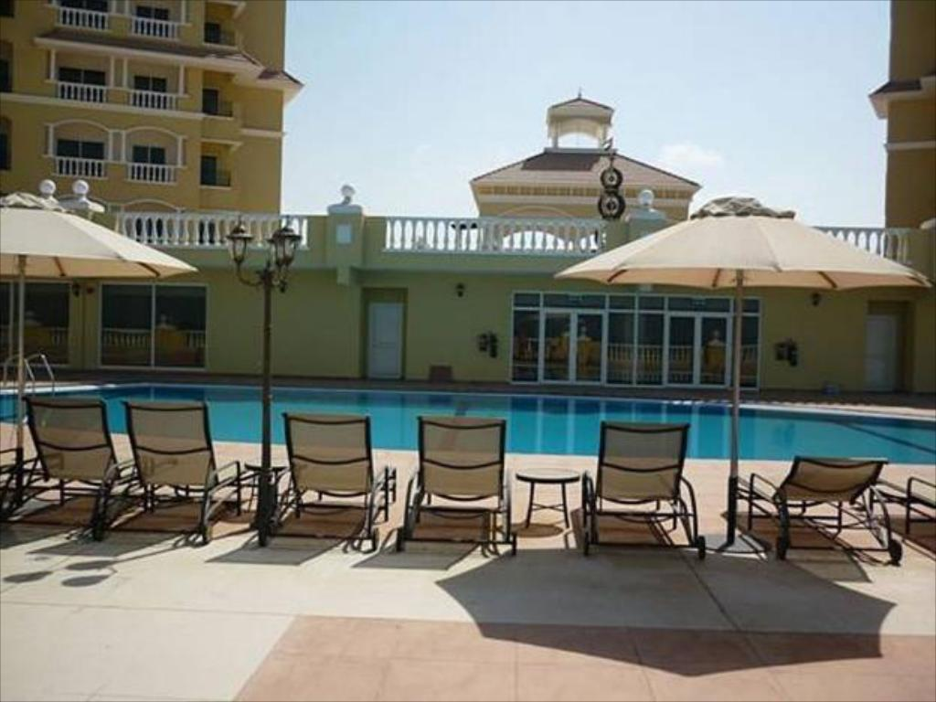 Peldbaseins 2 Bedroom Apartment Executive - Al Hamra Village