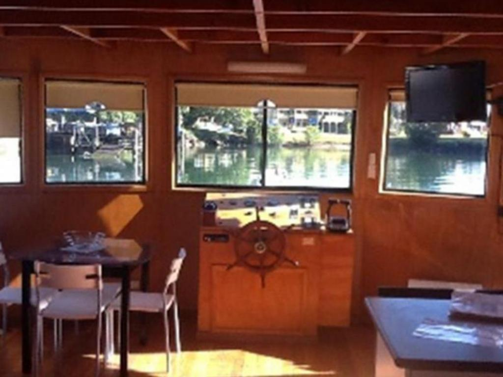 Interior view Boyds Bay Houseboat Holidays
