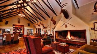 Otterskloof Private Game Reserve Villa