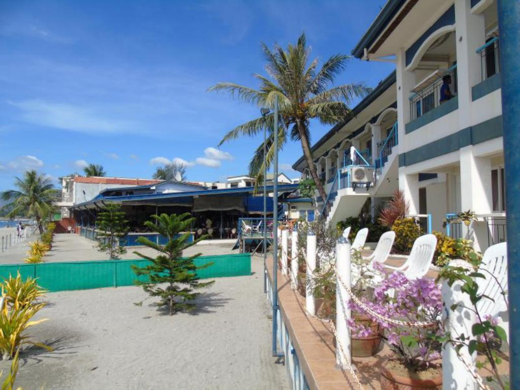 Best price on blue rock resort and dive centre in subic for Terrace hotel subic