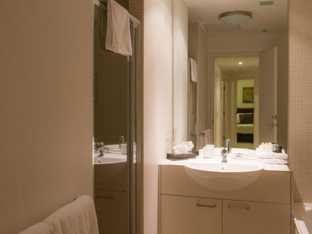 Bathroom Accent Accommodation @ Docklands
