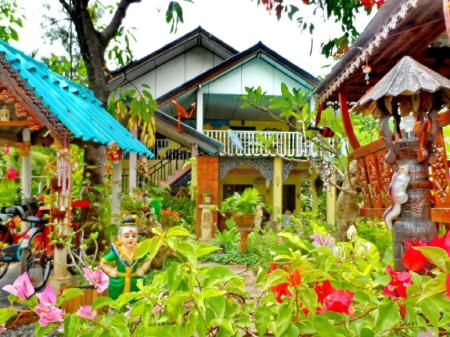 Interior view Lamai Homestay and Tours