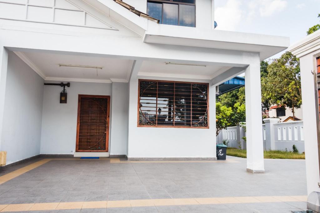 Rumah 3000 M² Dengan 4 Bilik Tidur Dan Mandi Peribadi Di Tampoi Homestay
