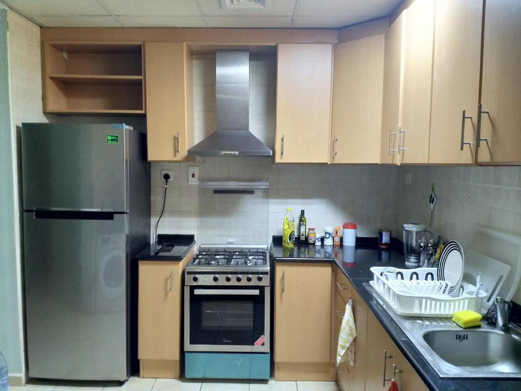 cocina Apartamento de 800 m² con 1 habitación/es y 1 baño/s de uso privado, en Dubailand (Fully Furnished 1 Bedroom Apartment)
