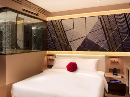 Superior - Bed Butterfly on Waterfront Boutique Hotel Sheung Wan