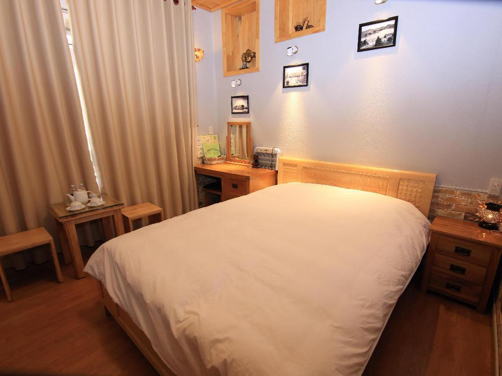 Superior Double - Bed Villa Tuan Pham