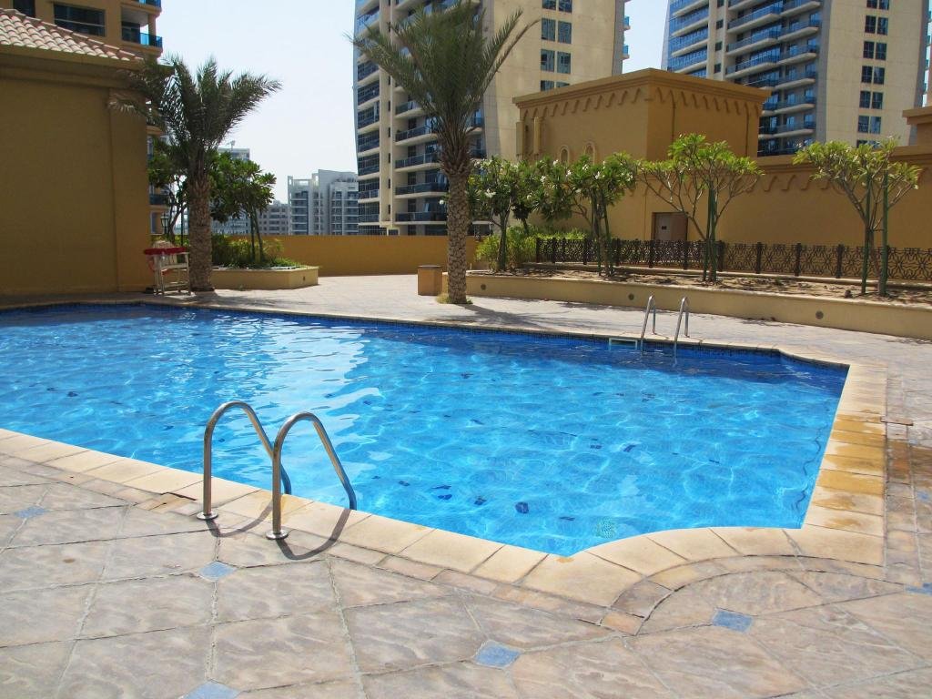 Basen Dubai Holiday Residence Apartments