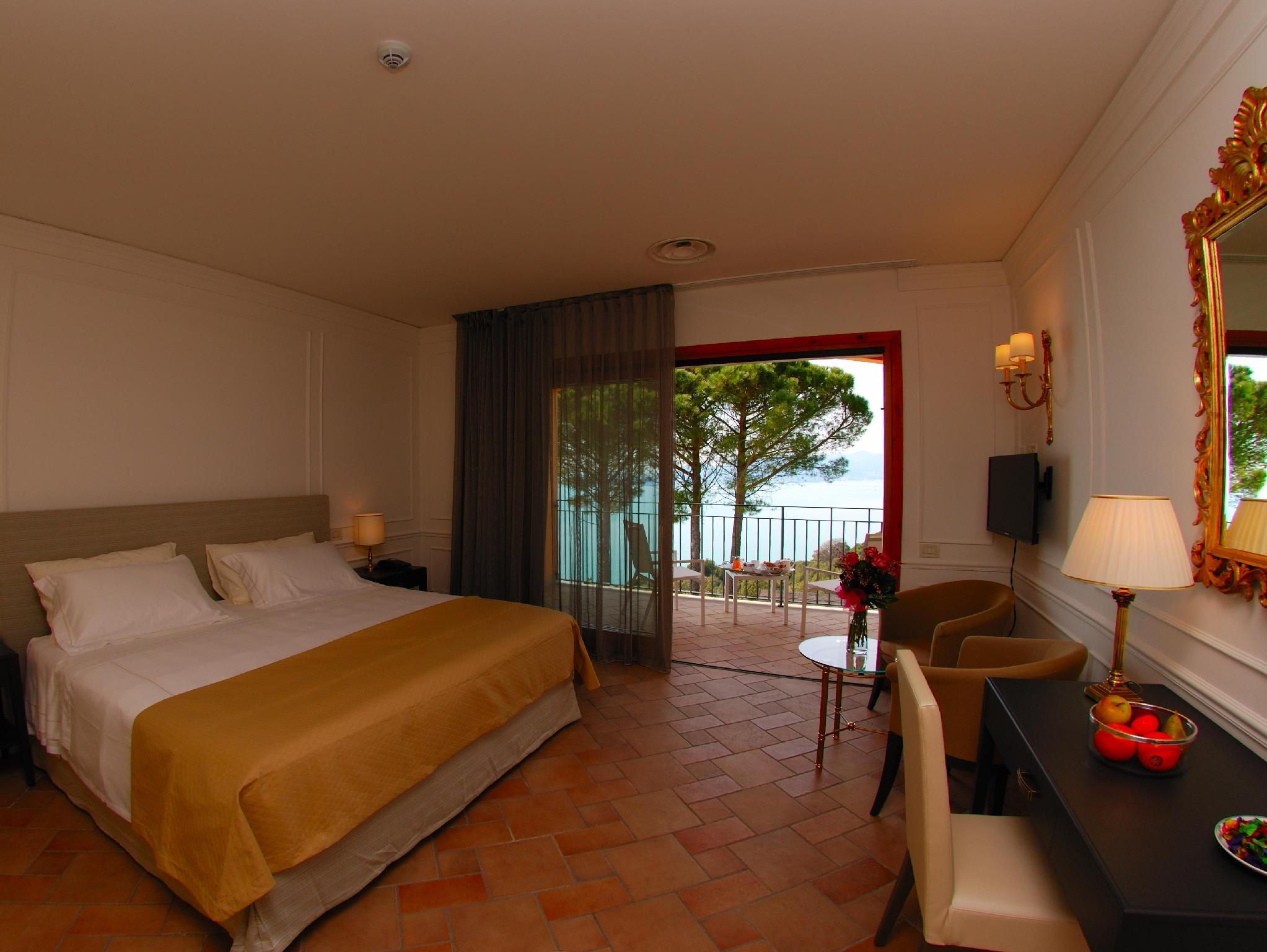 Prestige Double Room with Terrace and Sea View