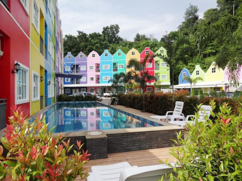 Bazen Holland Resort Phuket