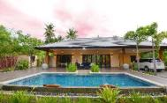The Eight Green Pool Villa