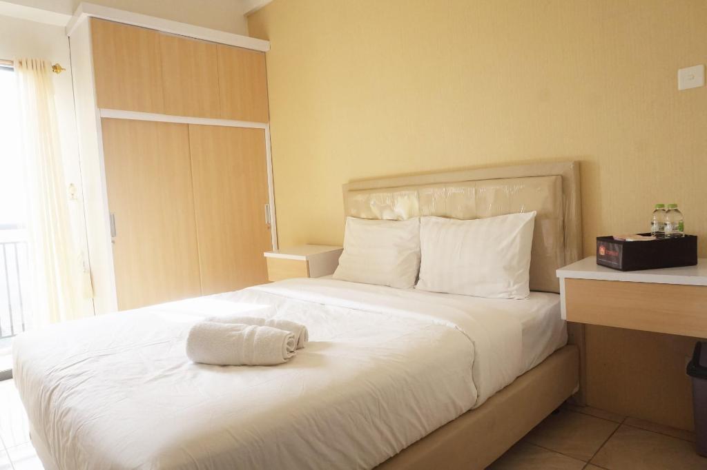 Best Price on Minimalist Studio at Tamansari Panoramic Apartment in ...