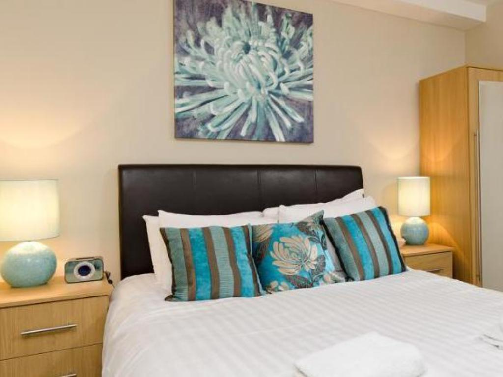 Апартамент с 2 спални Your Stay Bristol Cabot Mews