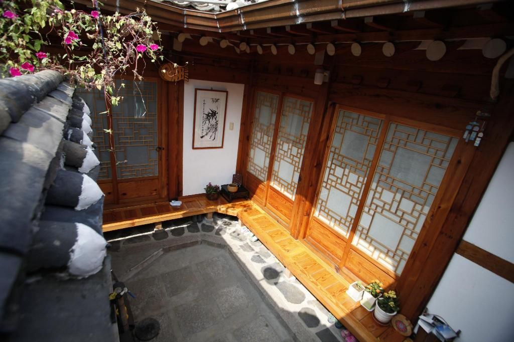 Double Room with Private Bathroom Inwoo Guesthouse