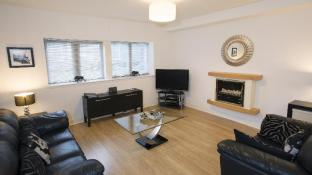 Oakhill Apartments City Centre Dee Village