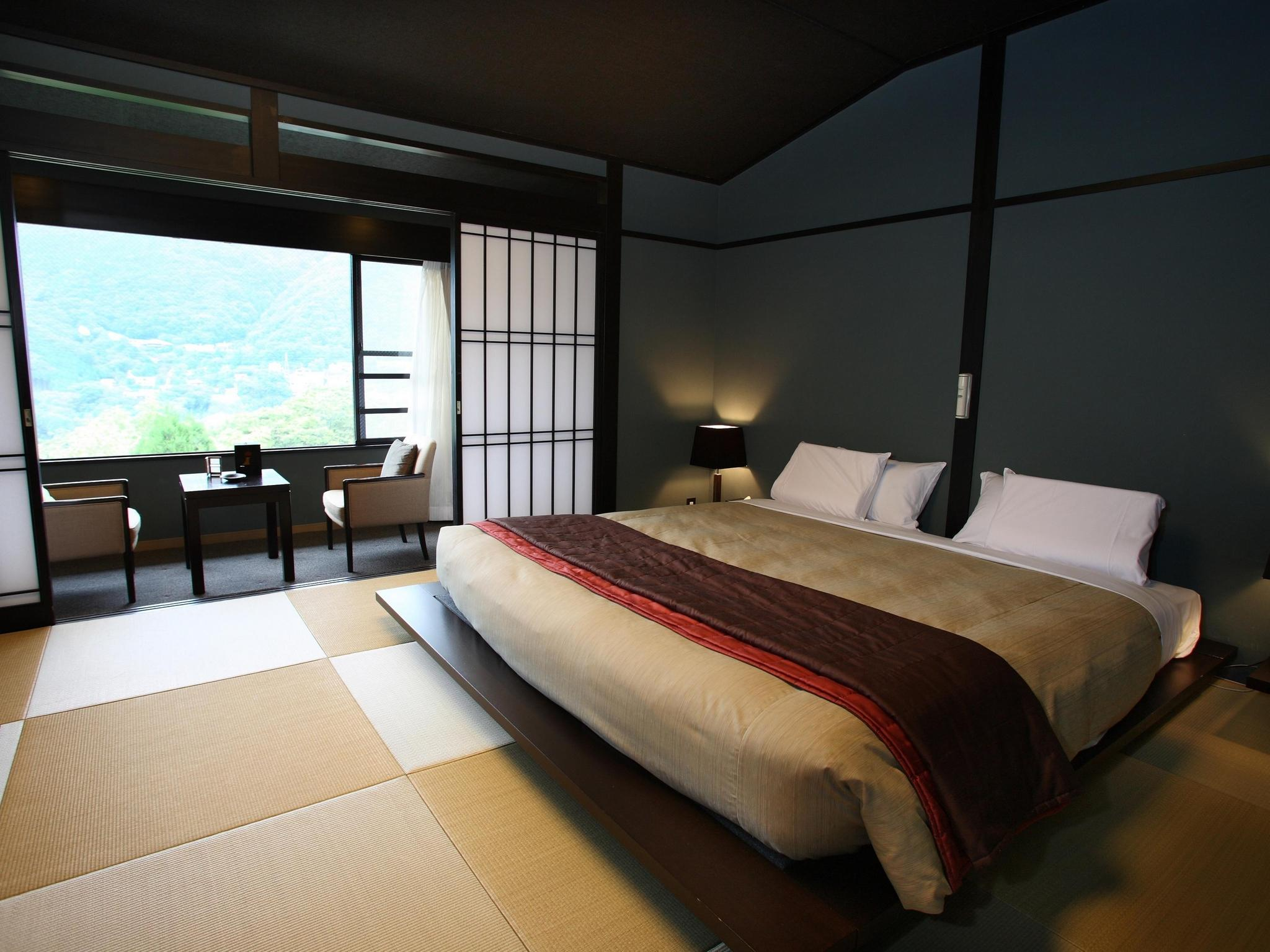 High Floor Japanese Style Room with King Bed and Open-Air Bath