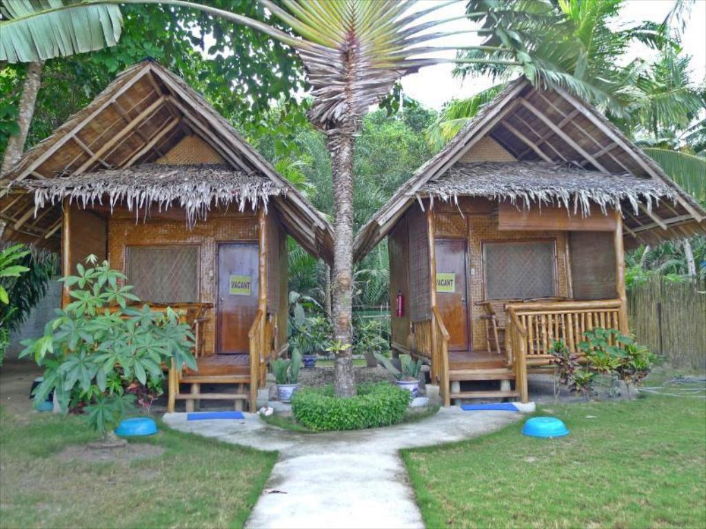 Candras Beach Cottages Palawan