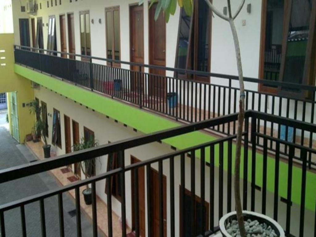 More About Graha Chantiq Surabaya Homestay