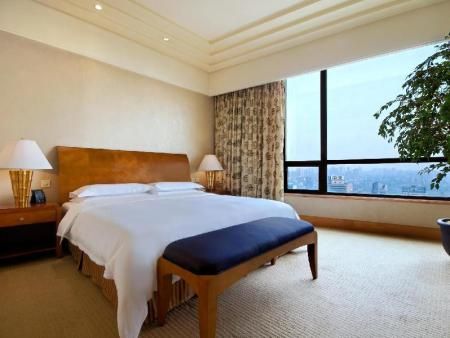 1 King Bed Apartment Suite Hilton Chongqing