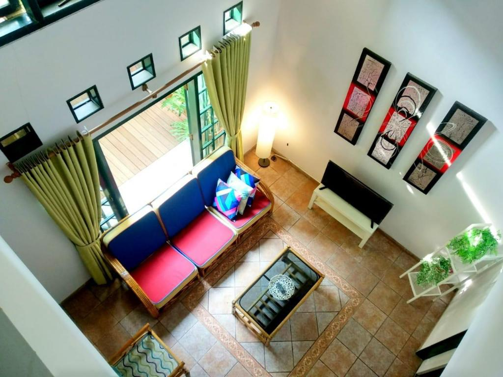 Rumah Pasteur, 29 BR with WIFI Entire house (Bandung) - Deals