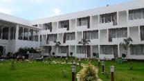 Saaral Resort Kutralam