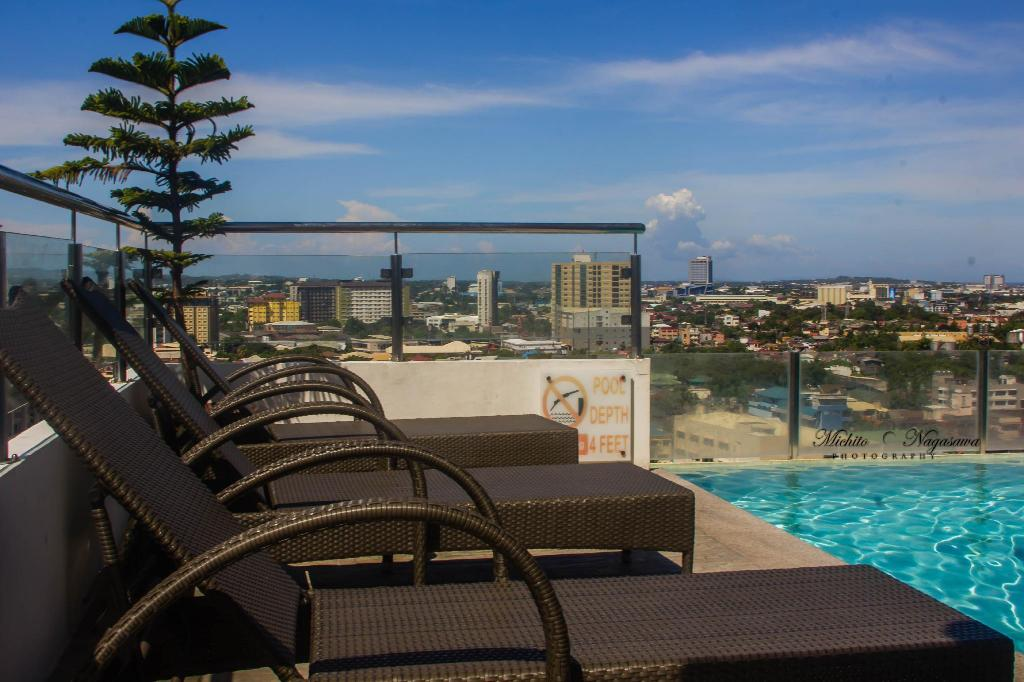 Best Price On Mabolo Garden 8pax Infinity Pool Near Ayala Mall In Cebu Reviews