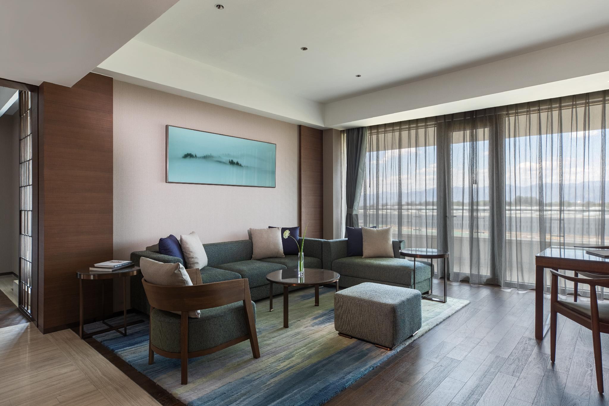 Family Suite, Executive lounge access, 1 Bedroom Suite