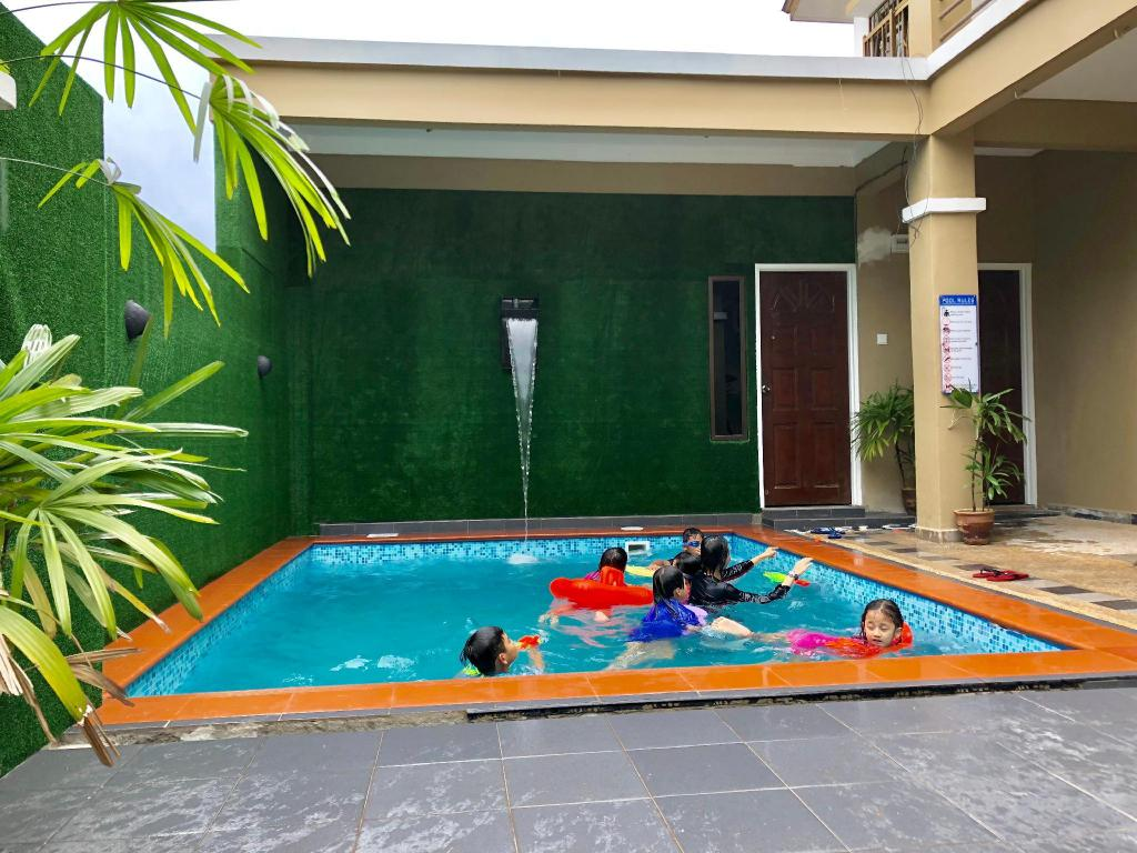 Best price on suria homestay 5bedroom with private - Homestay in kuala lumpur with swimming pool ...