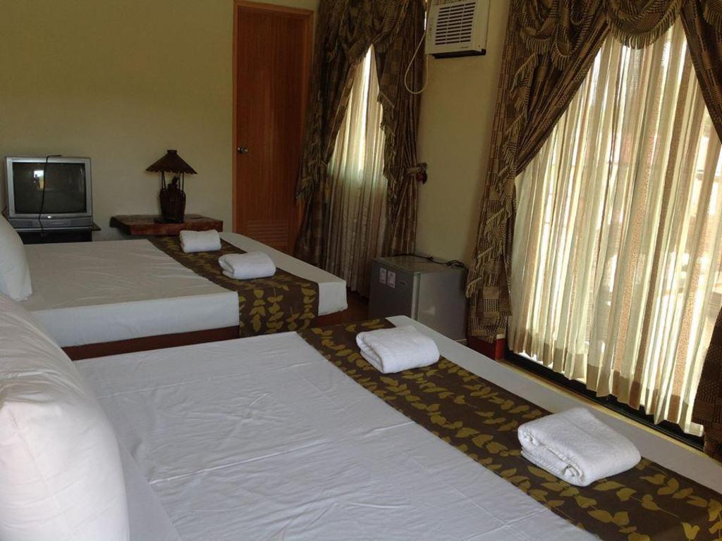 Calinisan Resort Hotel Inc. in Batangas - Room Deals