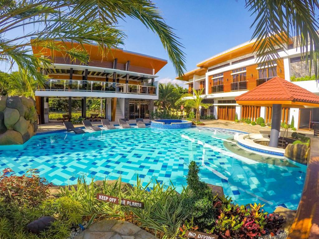 Calinisan Resort Hotel Inc. in Batangas - Room Deals, Photos ...