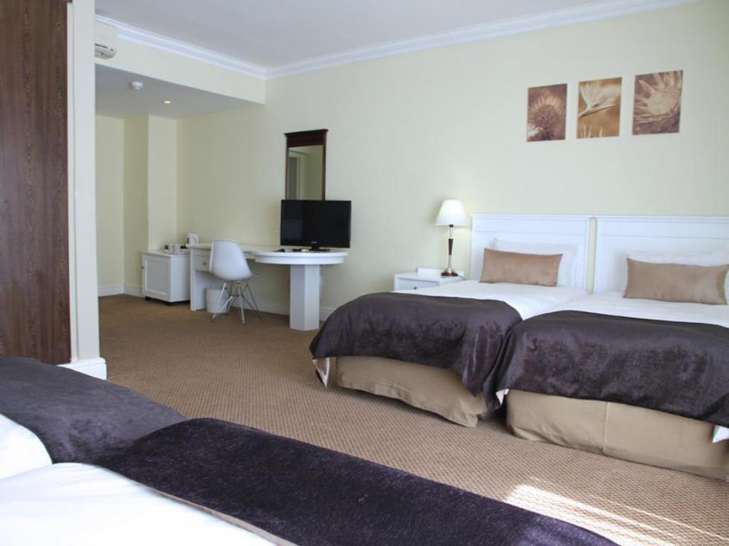Standard Quadruple Room - Guestroom The New Tulbagh Hotel