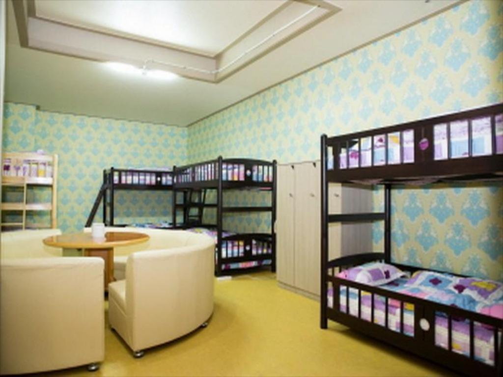 1 Person in 8-Bed Dormitory - Mixed - Guestroom Sky Guesthouse Busan
