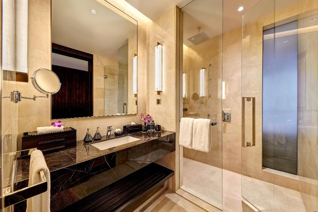 Pavilion King Suite - Bathroom