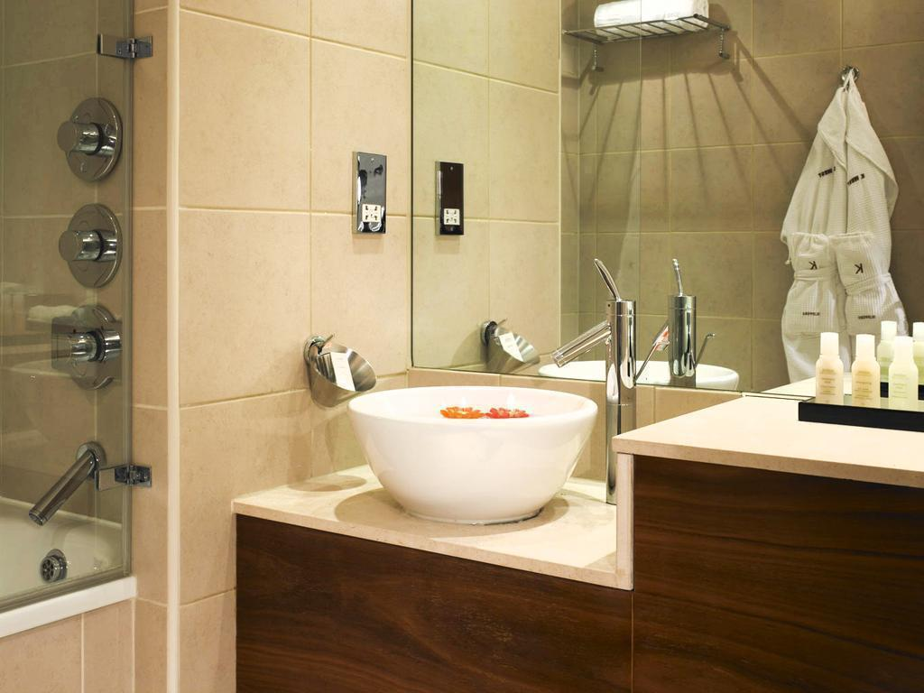 Standard Single - Bathroom K West Hotel & Spa