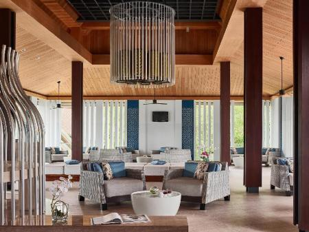 Lobby Splash Beach Resort by Langham Hospitality Group
