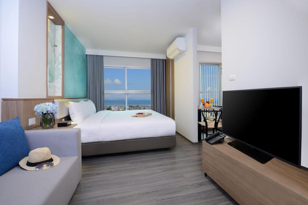 Deluxe King - Floor plans Centre Point Hotel Pattaya