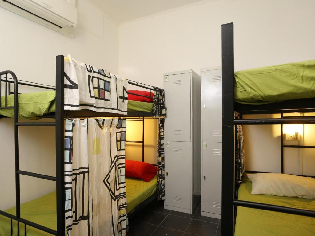 1 Person in 4-Bed Dormitory - Female Only - Guestroom Tree In Lodge Hostel