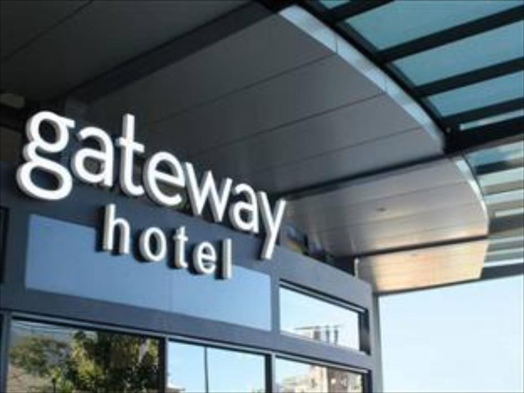 Eksterijer hotela The Gateway Hotel G E Road
