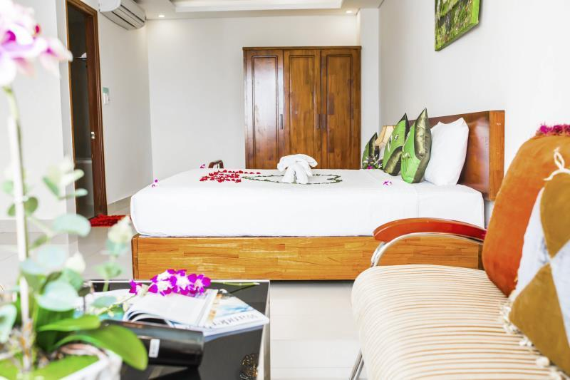 Phòng Premier Suite giường King Hướng biển (Premier Suite King Bed Sea View)
