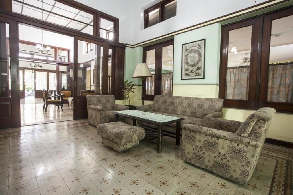 Reddoorz Near Balai Kota Malang Hotel Deals Photos Reviews