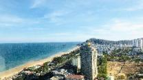 Panoramic seaview beachfront Luxury Apt 26D 145m2